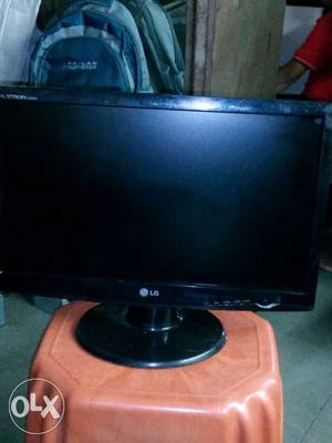 18.5 LG LCD very good condition