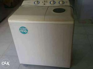 Beige All In One Portable Plastic Washer And Dryer