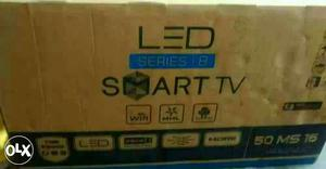 Fifty inches smart TV LEDs with Samsung panel