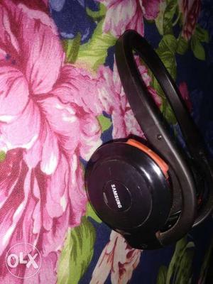Samsung bluetooth headphone