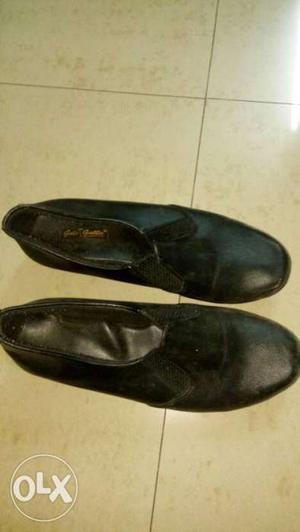 4 Footwear Combo! 1 pair black formal shoes 1