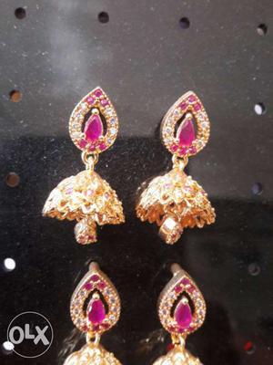 Gold And Diamond Jhumkas Earrings