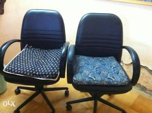 2 Black Leather Mid Back Office Rolling Armchairs & TV & TV