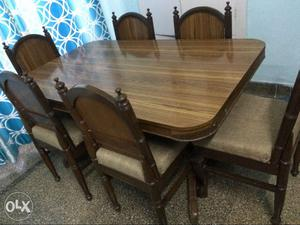 Very strong and furnished dining table set of 6