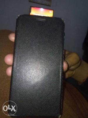 Xolo black 1x 3gb ram 32gbrom 13mega pixl back