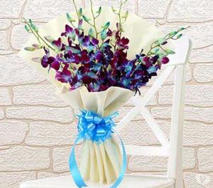 Fresh cake & bouquet   Delivered in Delhi NCR Noida