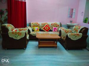 Sofa set with this table.cushions and 2 set cover