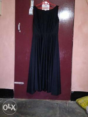 Black Scoop Neck Sleeveless Pleated Skirt Formal Dress