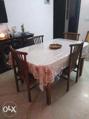 Dining Table for Sale in Noida