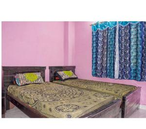 Fully furnished flat on sharing in madinaguda for boys