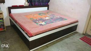 A new wooden double bed box type size 565 posot class for Wooden attic box bed