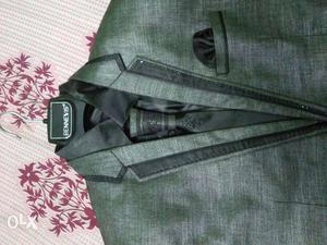42 size, Gray Notch Lapel Suit Jacket, good quality and gud