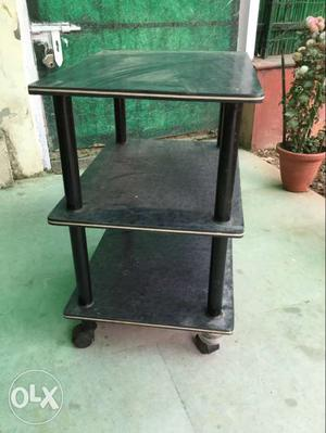 A trolly / old TV stand