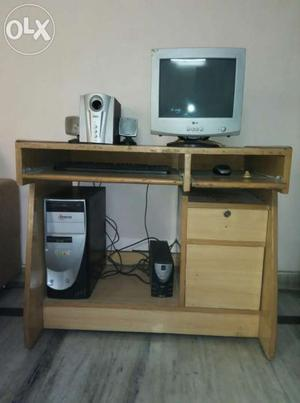 Computer Table in excellent condition
