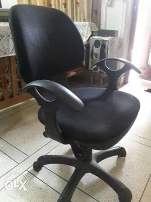 Office chairs for sale. Only 4 pieces available.