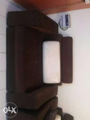 1 year old sofa set without table