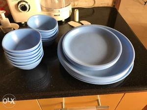 Dinner set Microwave safe, 5 Full plates, 4. Qtr