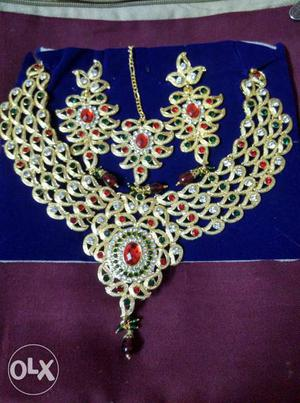 Complete jewellery set for festivals and functions