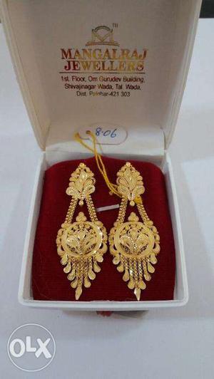 Gold Ladies Earing