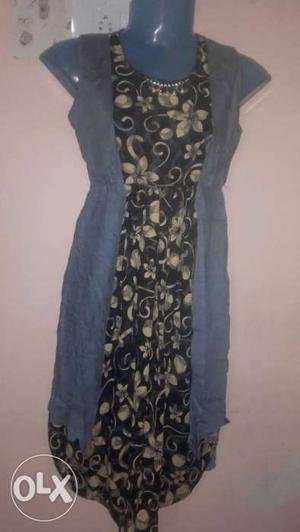 Women's Grey, Black And Yellow Floral Crew Neck Sleeveless