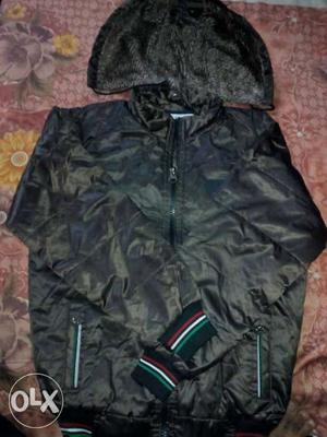 I want to sell my jacket it for both boys and girls