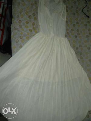 New off white one piece sleeveless dress
