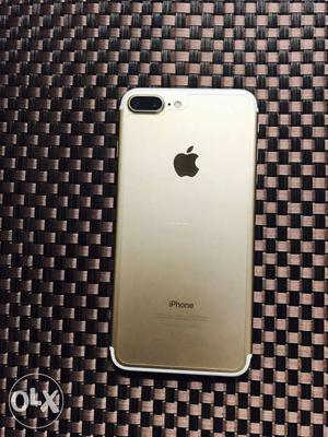 Iphone 7 plus 32gb gold. Not even a single