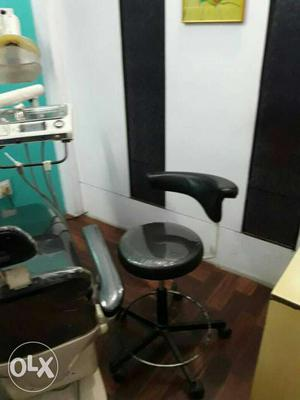 Dental clinic machinerys for sale required only