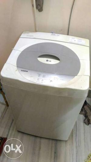 Fully Automated Branded Washing Machine.