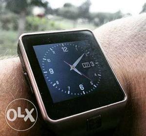 Smart watch with a capacity of 64 gb memory card