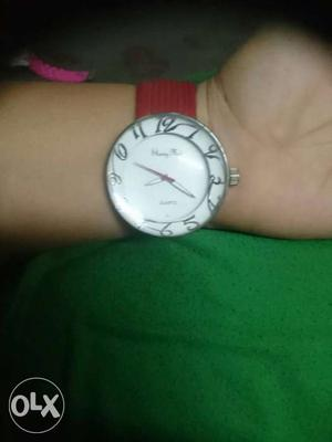 Big dial case watch for girls with dark red