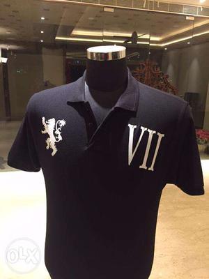 Facile throne lion- roman 7 balck coller t shirt