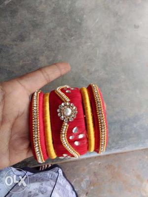 Red and gold kundan thread bangles