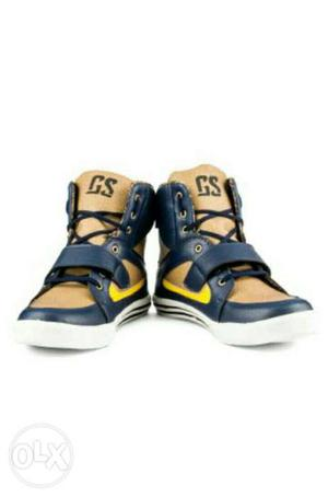 Stylish Black & Golden Casuals Shoes for Sale Size 9-10.