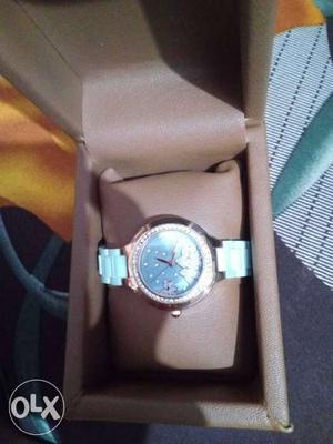 I have never wore this watch. Its a brand new