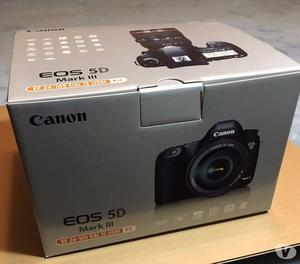 Canon EOS 5D Mark III DSLR Camera with mm Lens