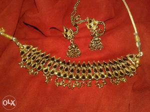 Kundan set.. good in condition.. with box and