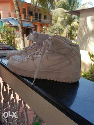 White Nike Basketball Shoes