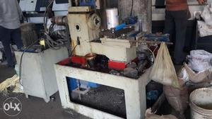 Semi cnc machine with hydraulic chuck used for