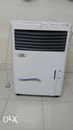 Water cooler in excellent working condition.