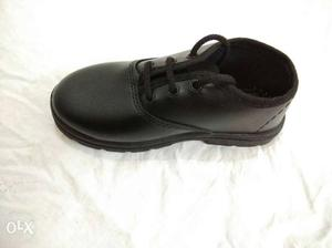 Black school shoes for boys and girls with good