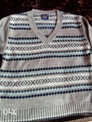Lilliput pullover for boys of 7 to 8 years. very
