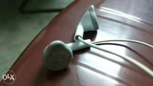 Brand new Samsung Earphones. Just 1 month old.