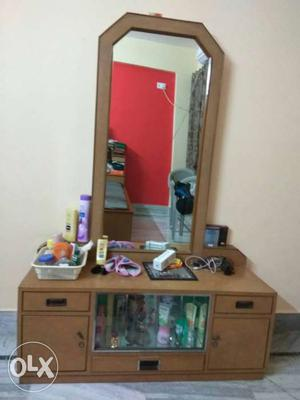 Wooden Dressing Table in excellent condition. The