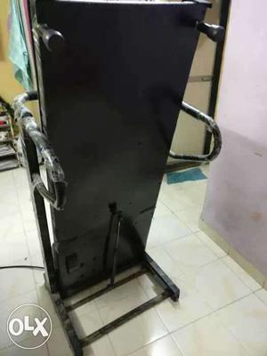 Motorised Treadmill with foldable one