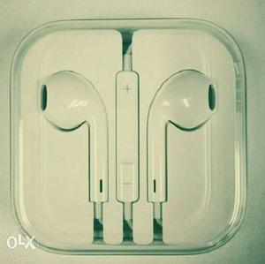 Apple original earphones new box pack urgent sell