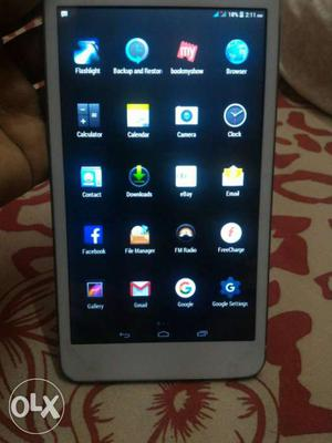 I-Ball Calling 3G tablet, One hand used.. In Best