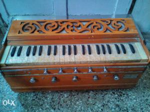 Harmonium in a very good condition, used and