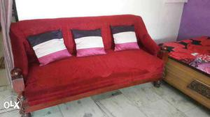 Good Condition 5 seater sofa set made by velvet stufg