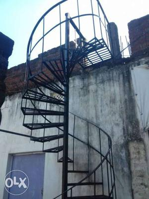 I want to sale the round made stair of iron.